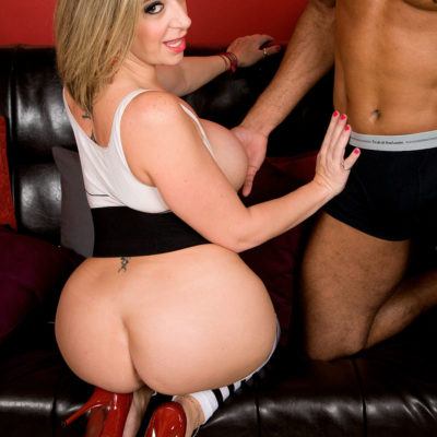 Bubble Butt Sara Jay in Interracial Fun