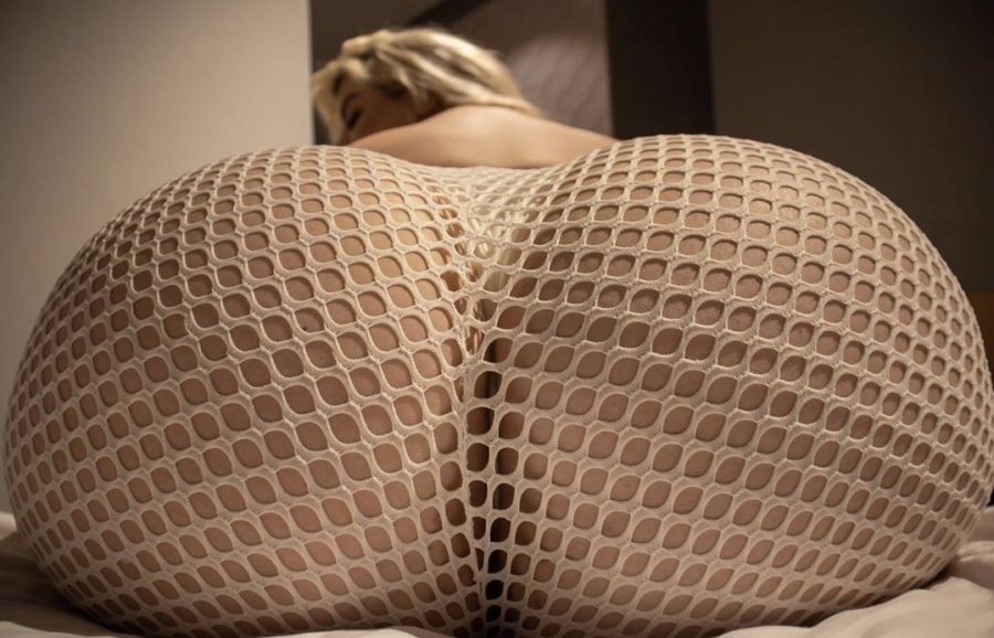 huge butt of Natasha Crown