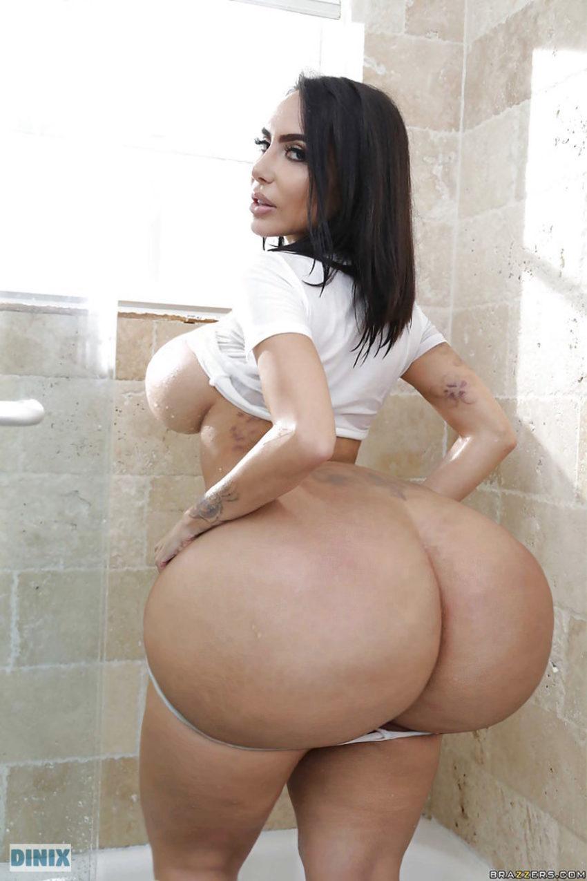 Ass lela star BigButtsLikeItBig